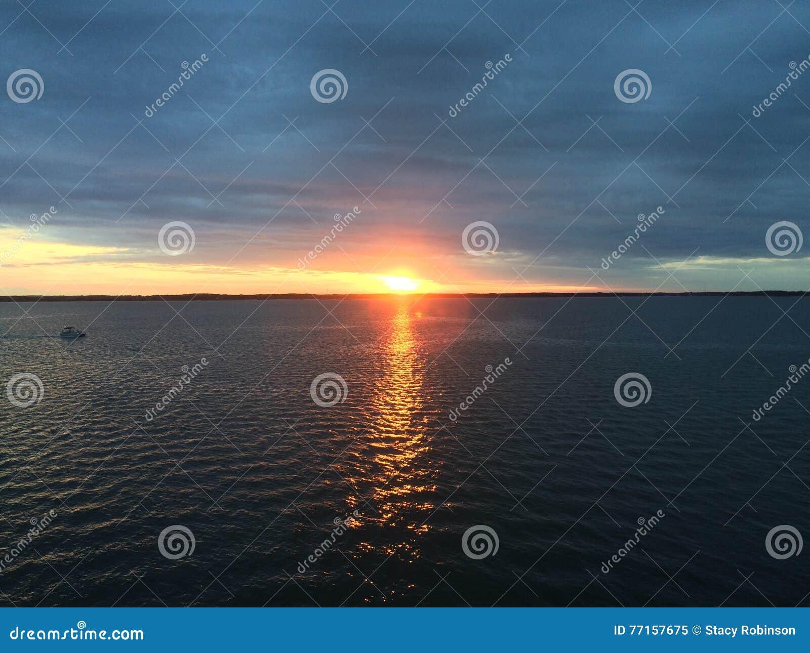 Coucher du soleil de baie de chesapeake