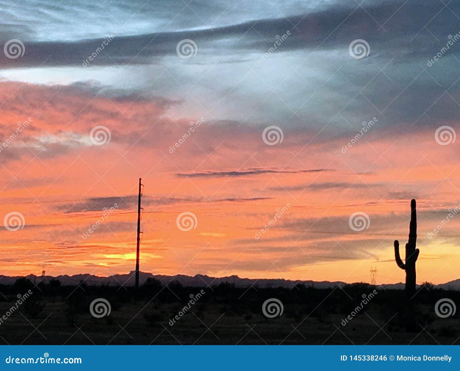 Coucher du soleil de d?sert de l Arizona color