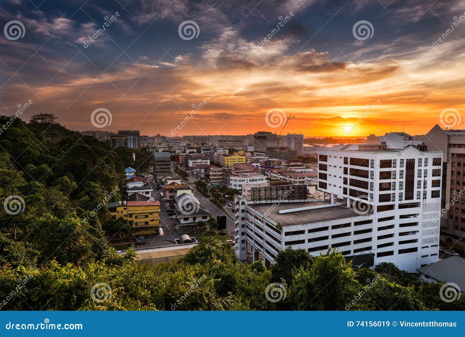 Coucher du soleil de Kota Kinabalu