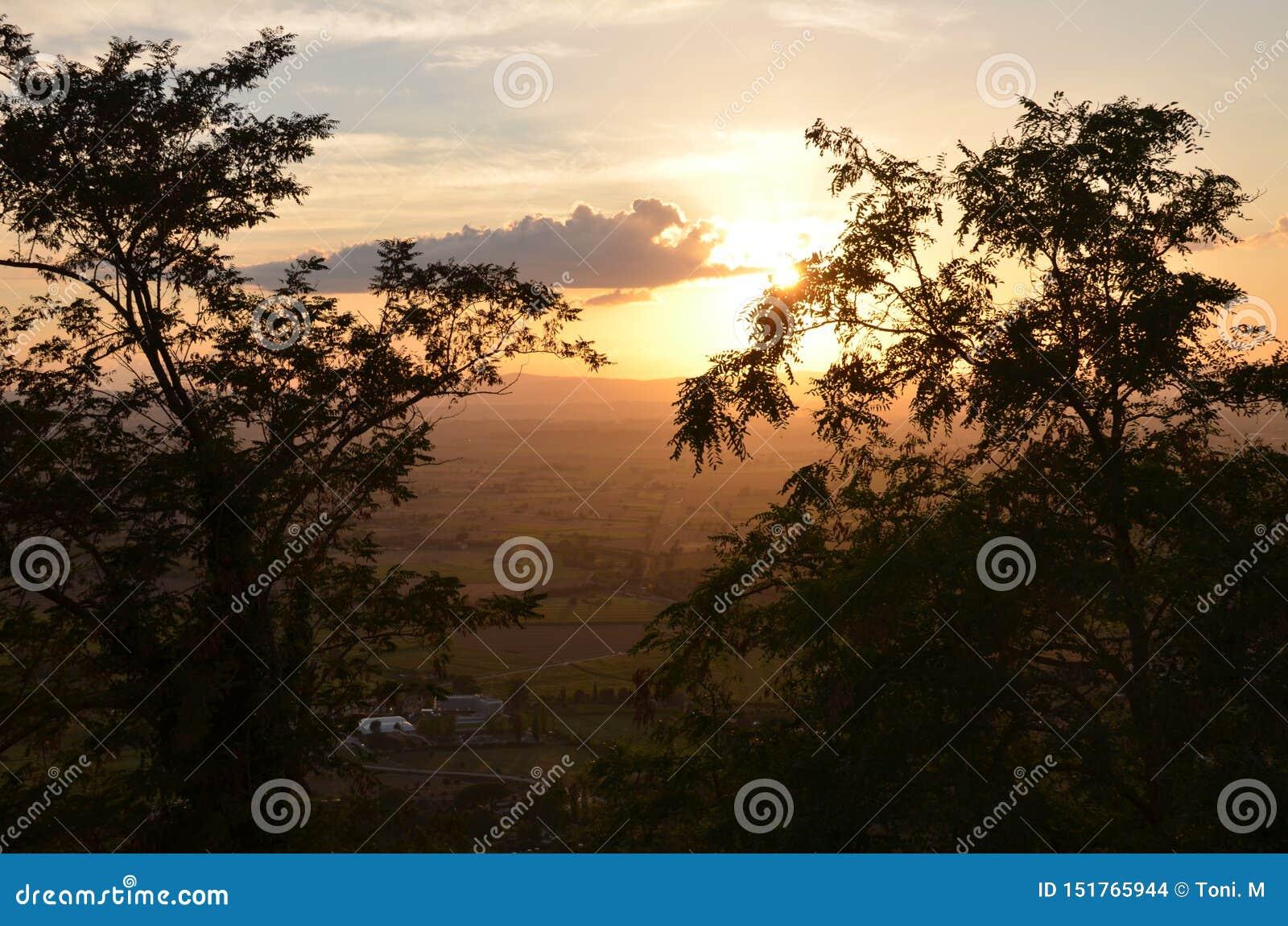 Coucher du soleil en Toscane