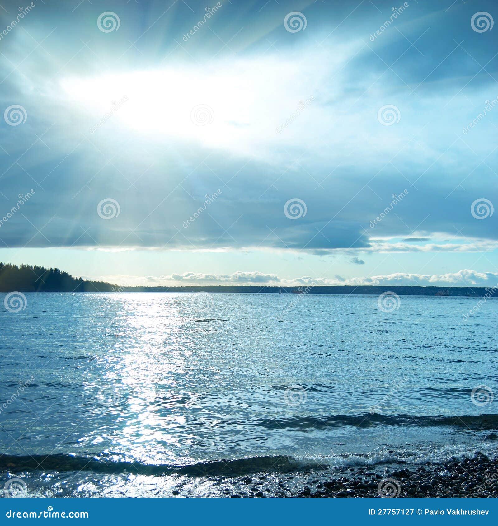 Coucher du soleil sur la mer