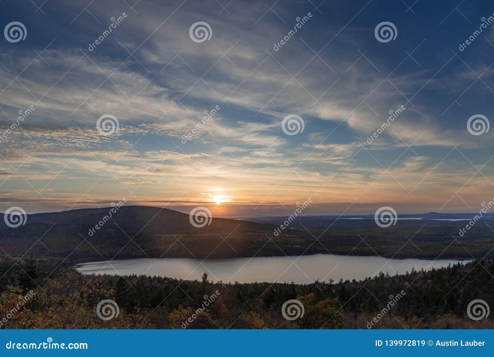 Coucher du soleil sur la montagne de Cadillac