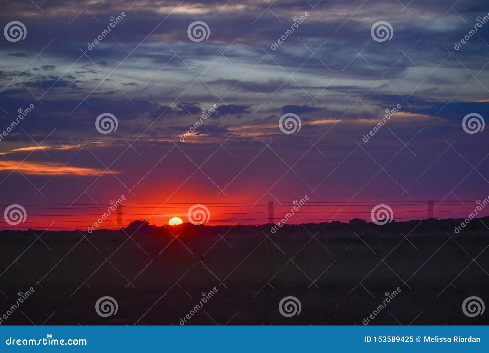 Coucher du soleil sur la prairie - Flint Hills du Kansas