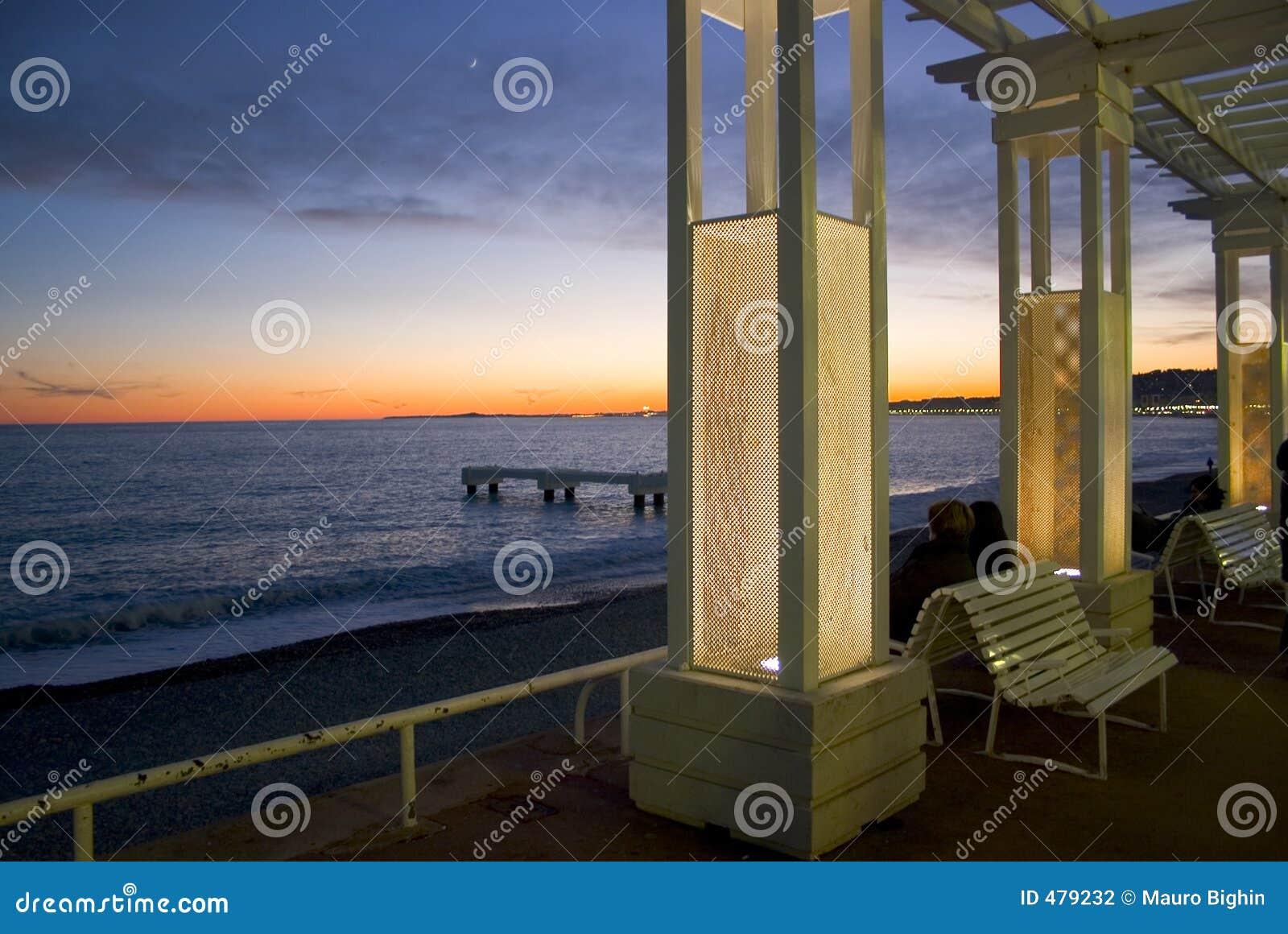 Coucher du soleil sur le DES Anglais de promenade - Nice - la France