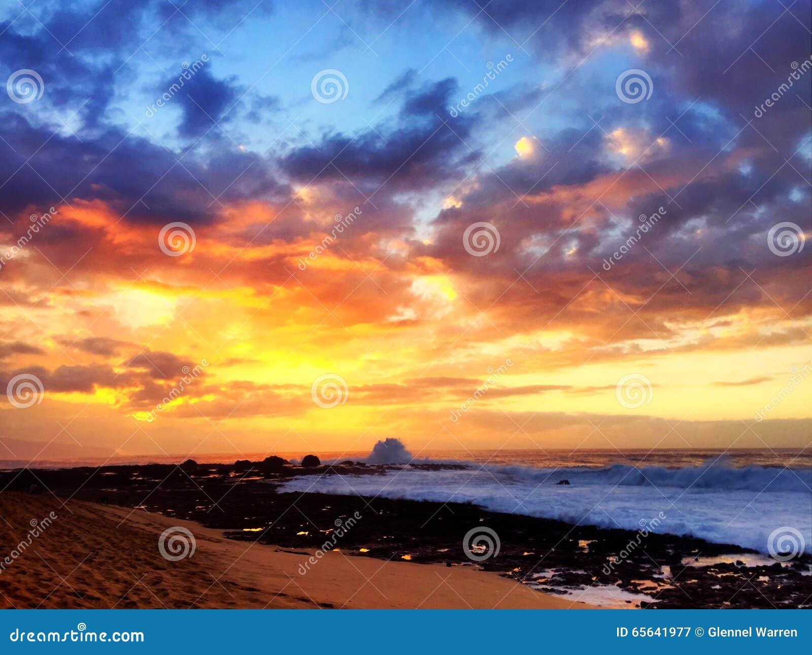 Coucher du soleil sur le rivage du nord
