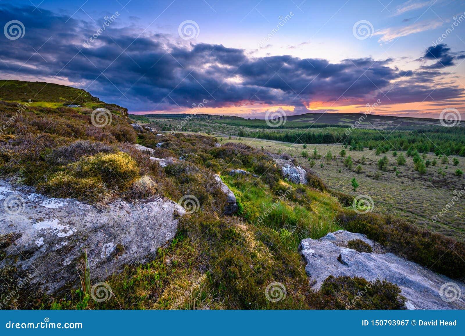 Coucher du soleil vu à partir du dessus du grand rocher de Wanney