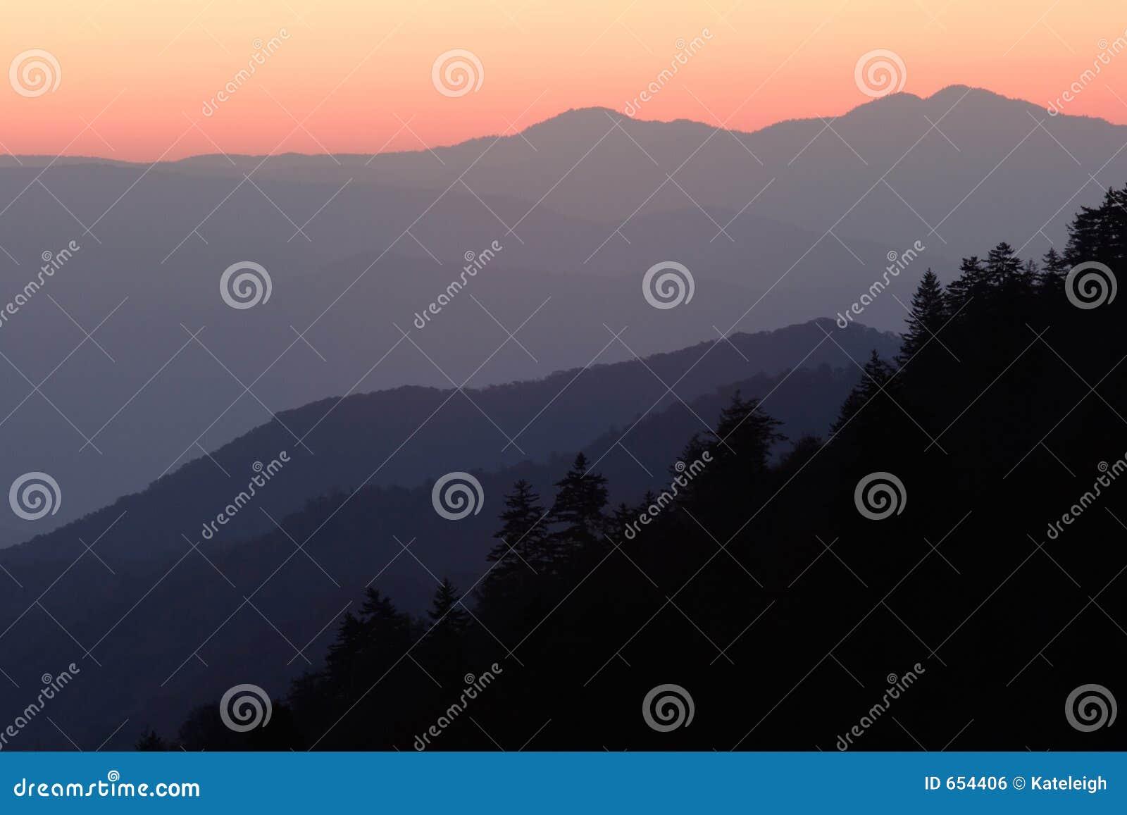 Couches De Lever De Soleil De Montagne Photo Stock Image Du