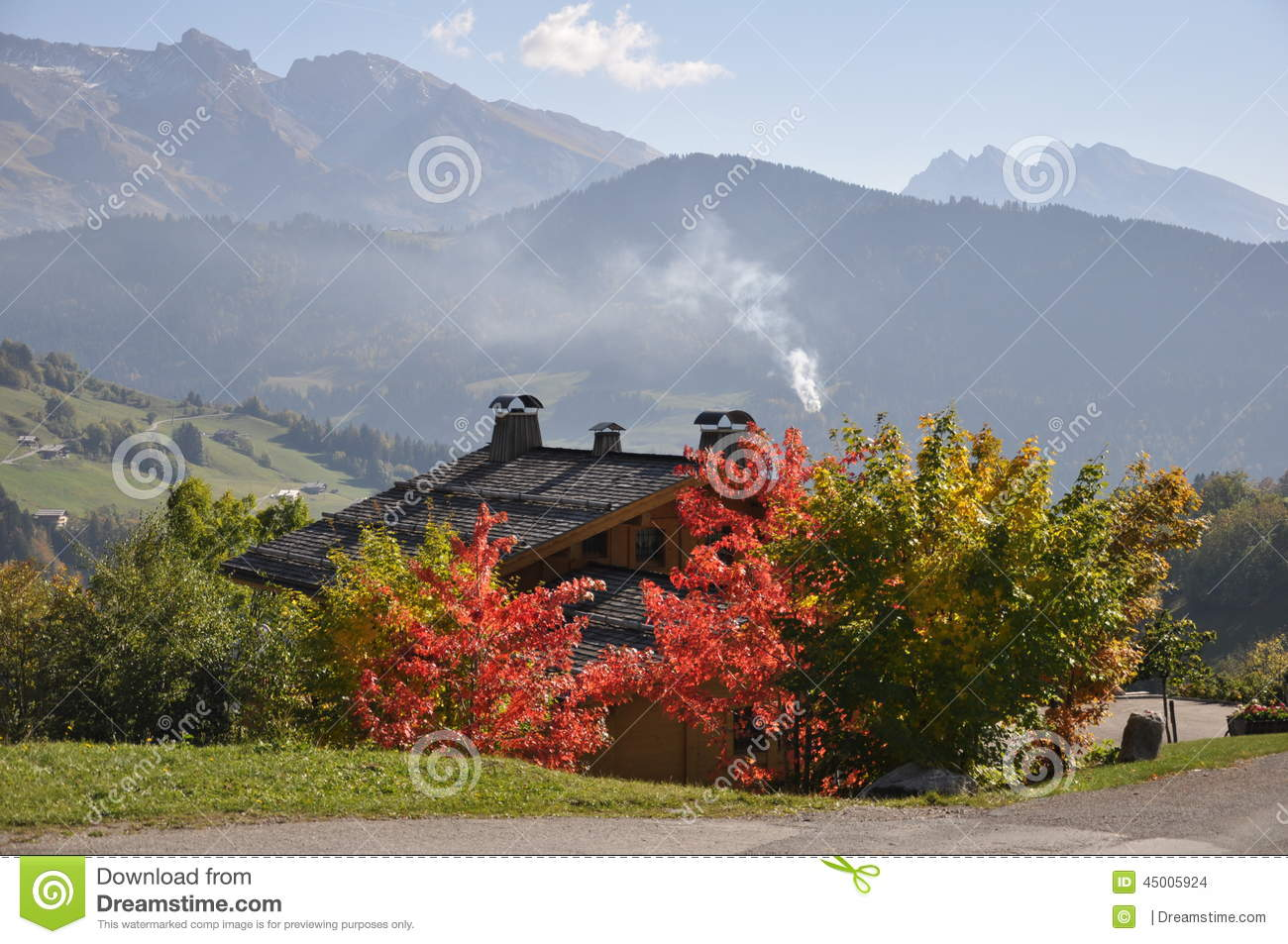 couleurs d 39 automne dans les alpes photo stock image du. Black Bedroom Furniture Sets. Home Design Ideas