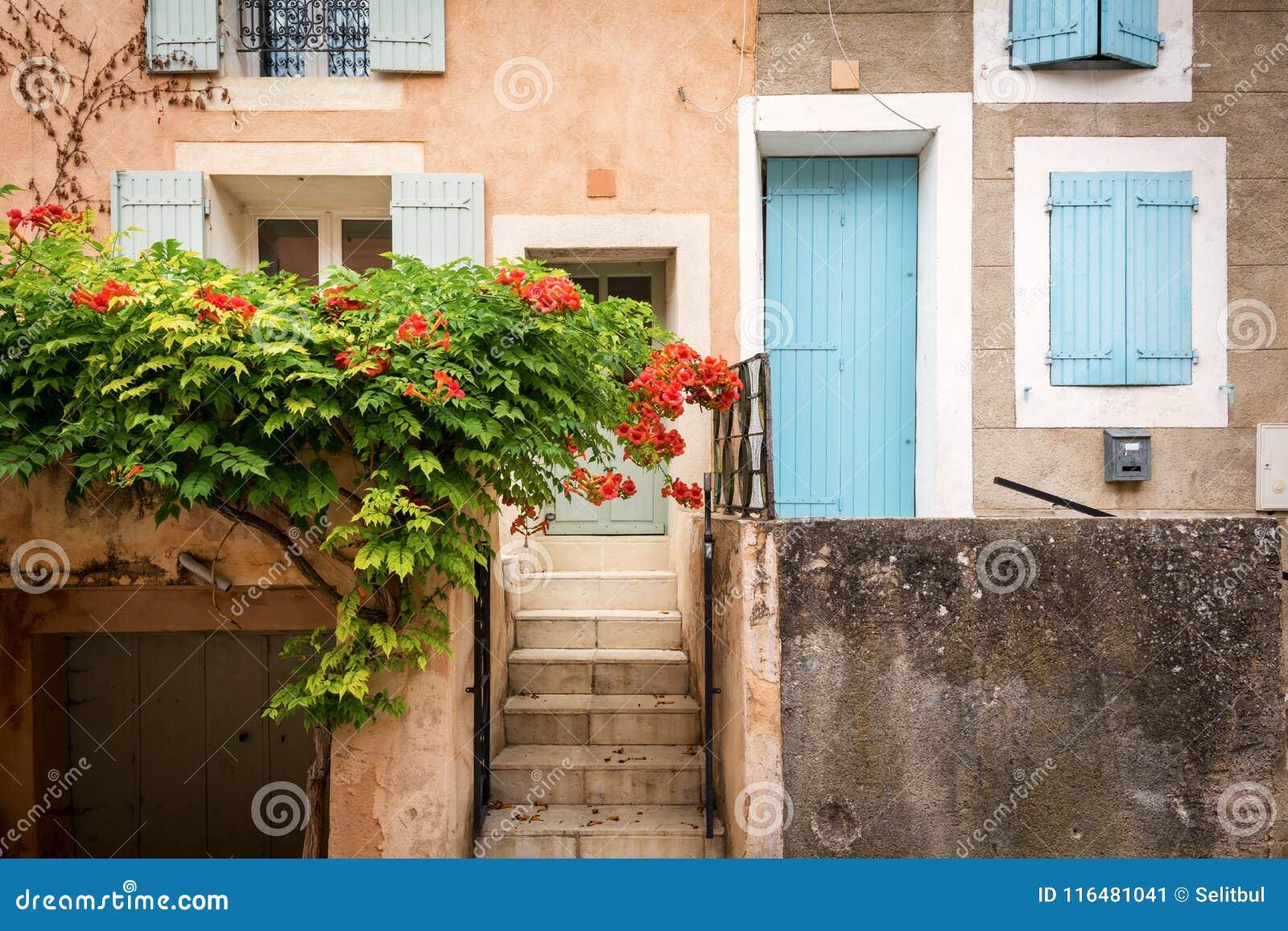 Couleurs Facades En Provence couleurs de la provence image stock. image du provencal