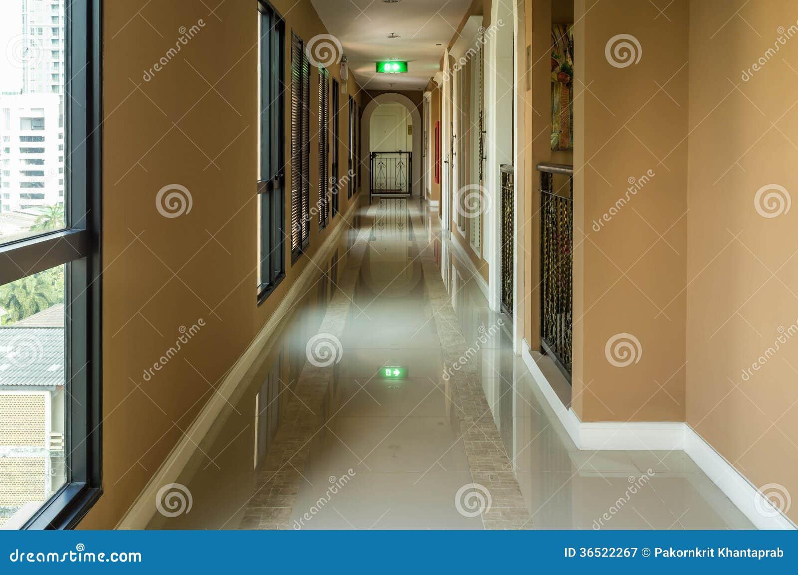 Couloir d appartement