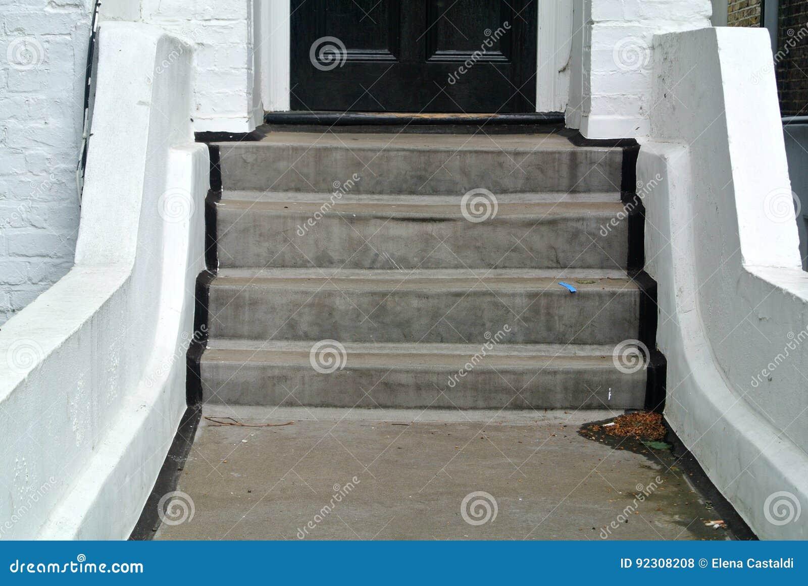 Couloir D\'entrée Avec L\'escalier Photo stock - Image du couloir ...