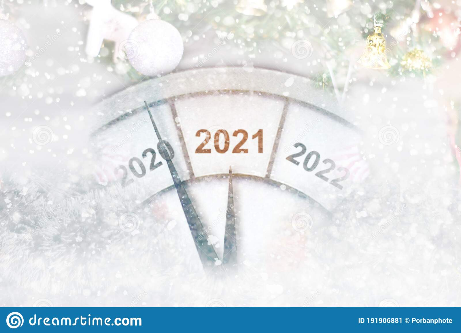 countdown to midnight clock of holiday counting last moments before christmas or new year 2021 stock illustration illustration of counting clock 191906881 dreamstime com
