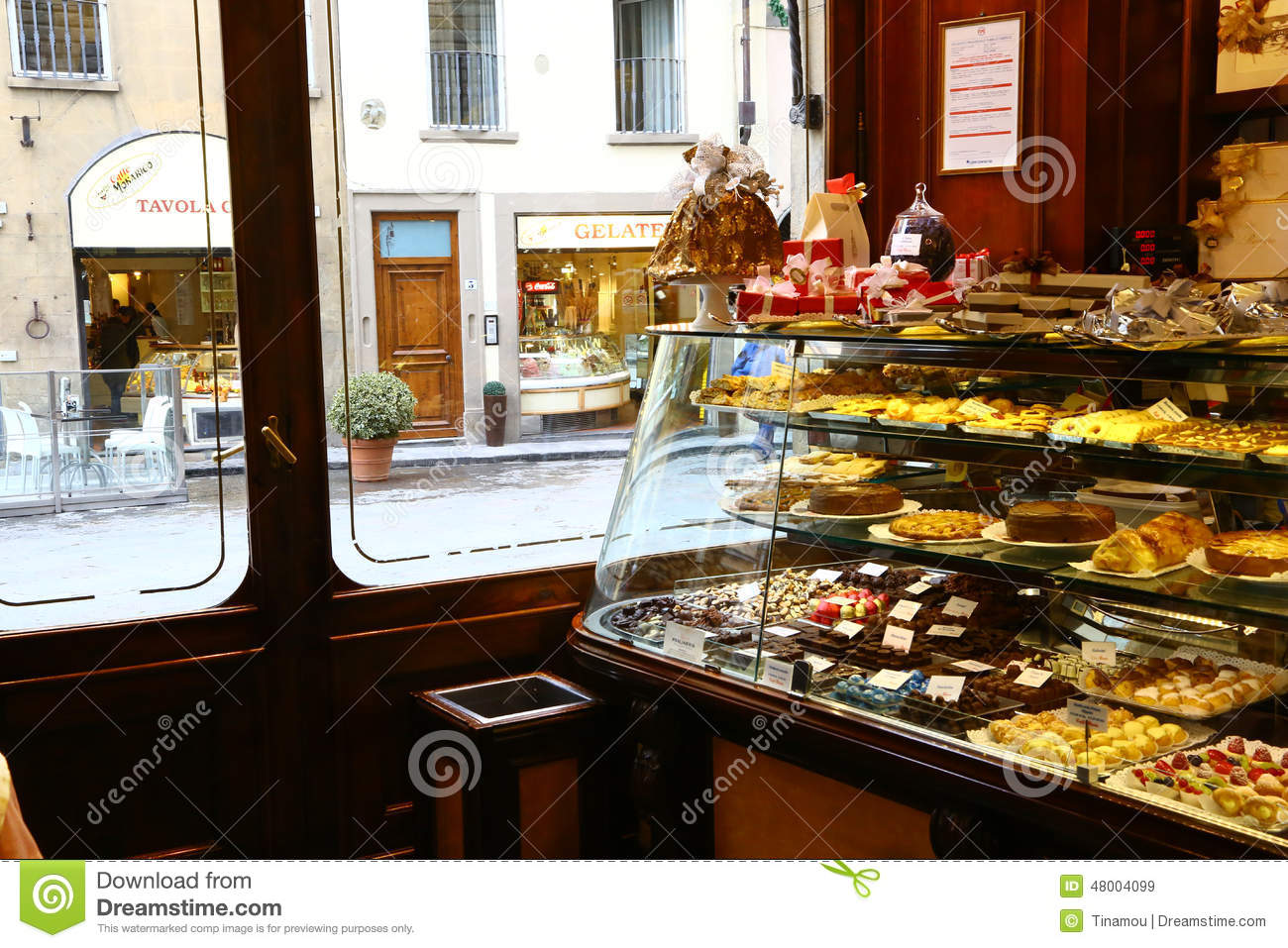 Pastry shop editorial image 48282420 for Dream store firenze