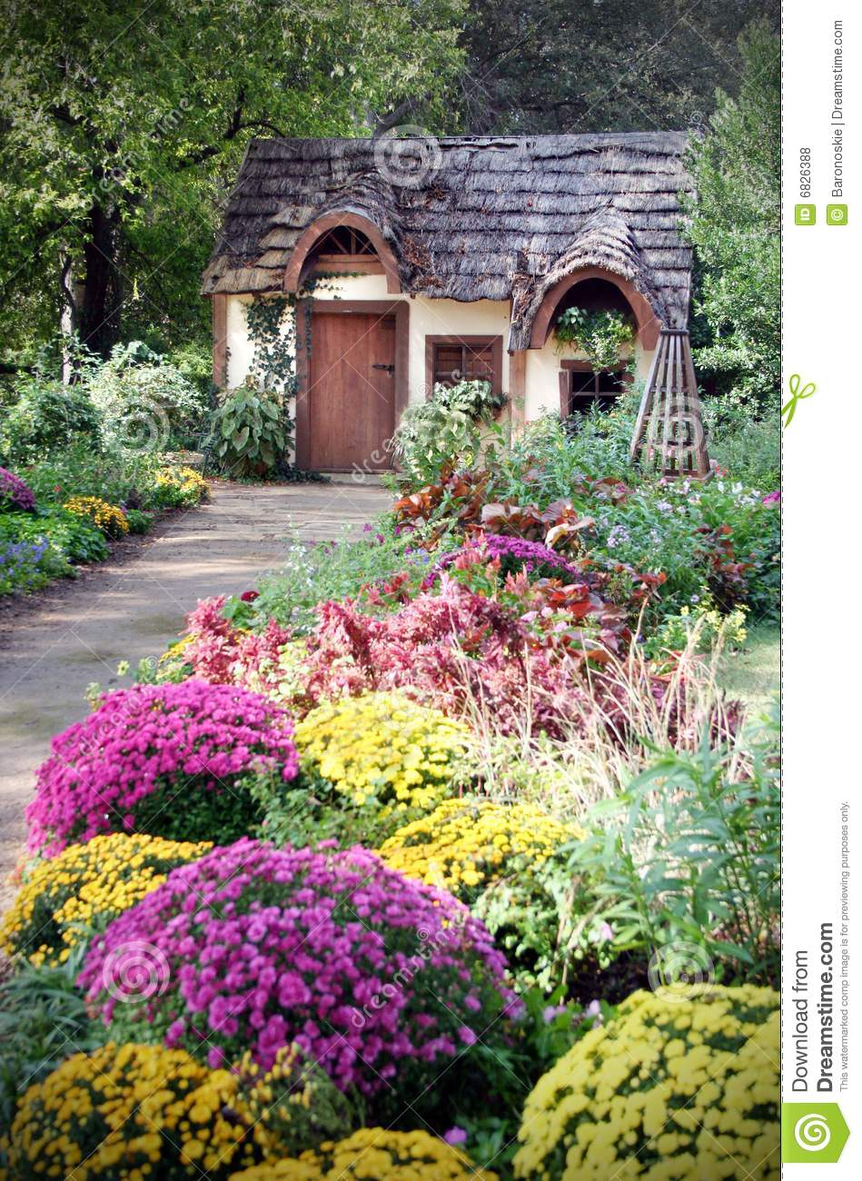Country cottage stock photo image of tiny rest color 6826388 - Cottage image ...