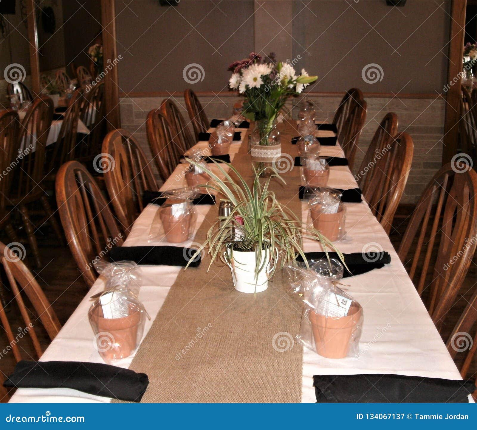 Farmhouse Party Table Setup