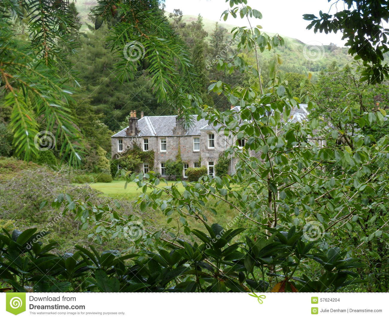Country Home Country Garden Nestling Green Landscaped Gardens