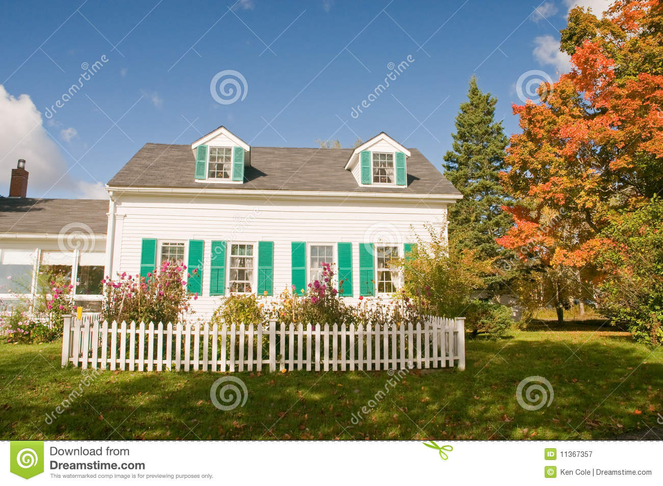 Country house in autumn stock image image of brightly for Country house online