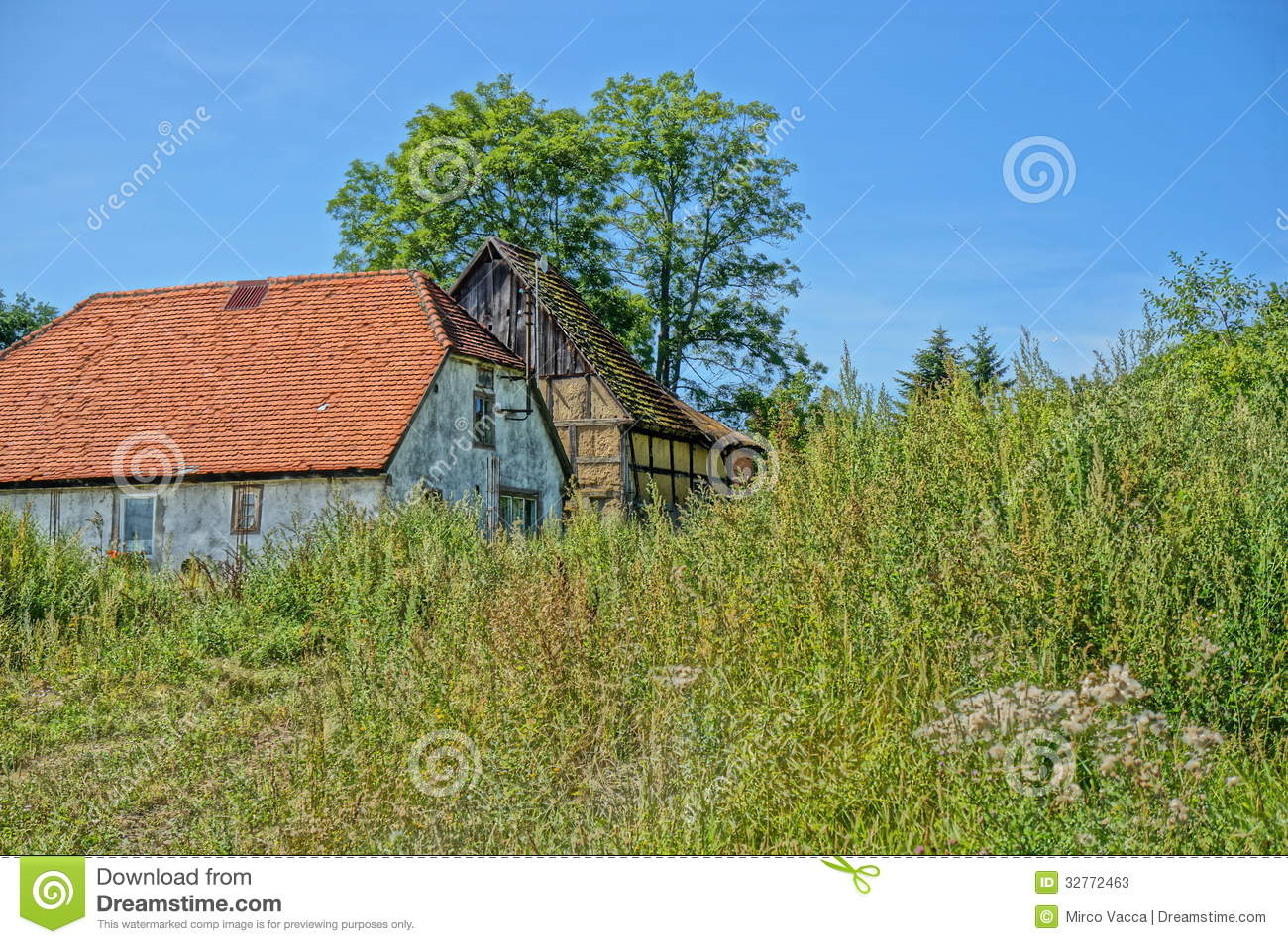 Country House Stock Photos Image 32772463