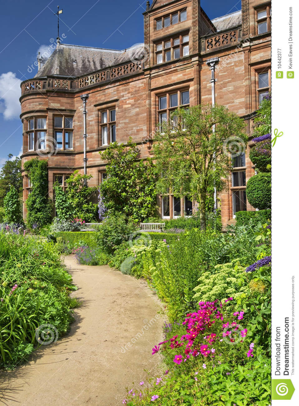 Country house and garden royalty free stock photography for Country house online