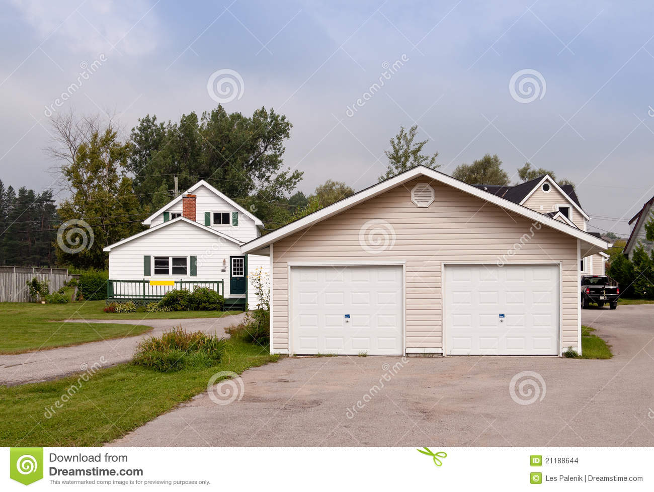 Country House With A Large Garage Stock Images Image