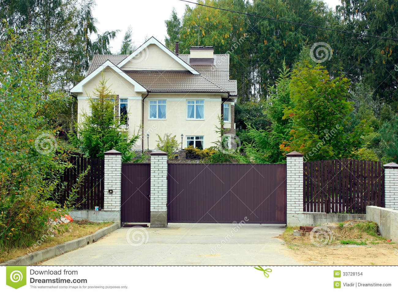 Country House Among The Trees Stock Images Image 33728154