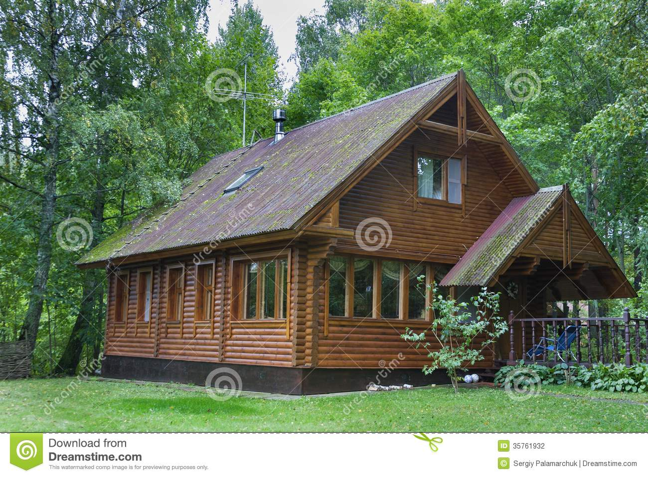 Country wooden house stock photo image of chalet for Dream wooden house