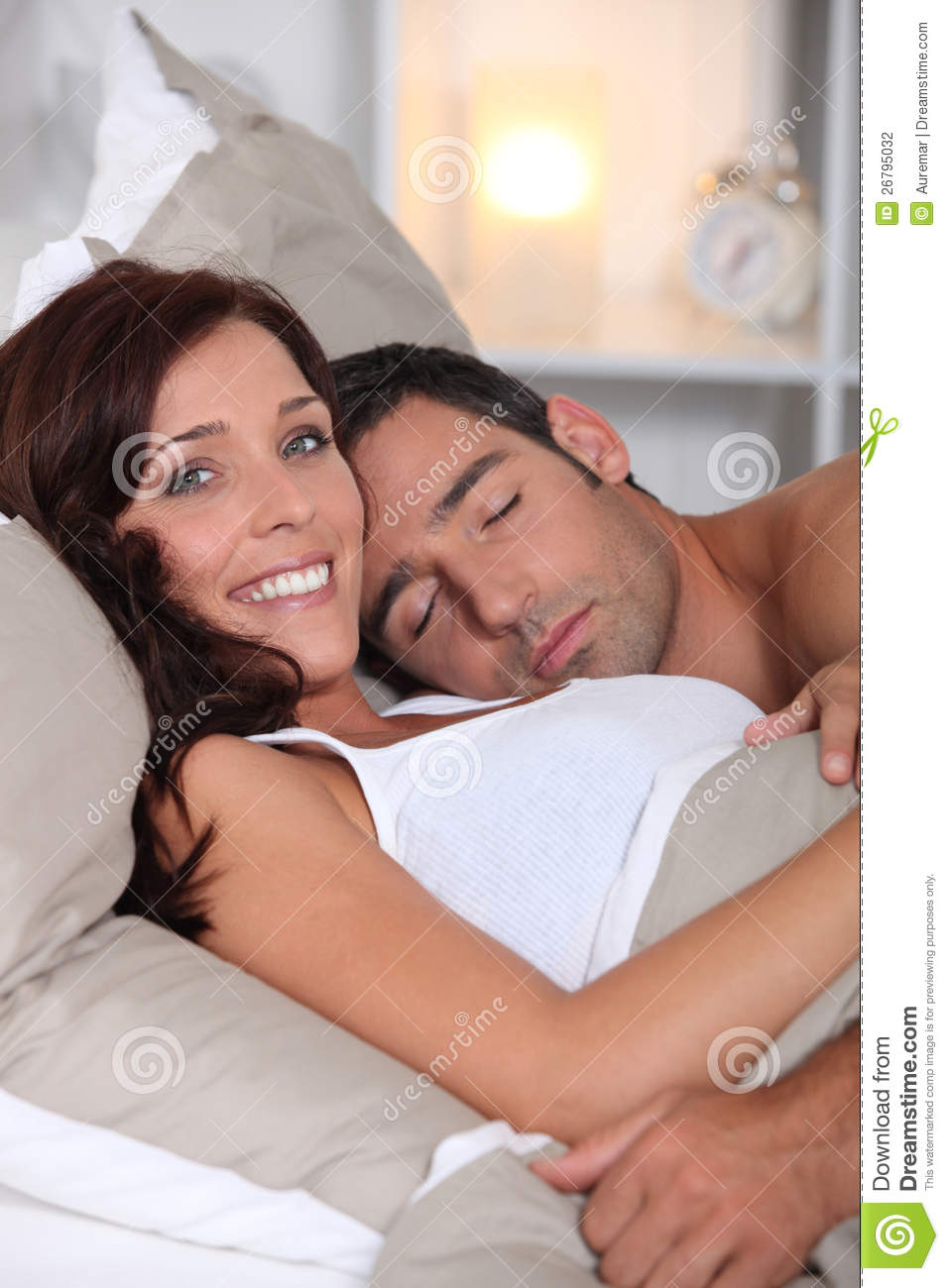 How To Sleep With Wife In Bed