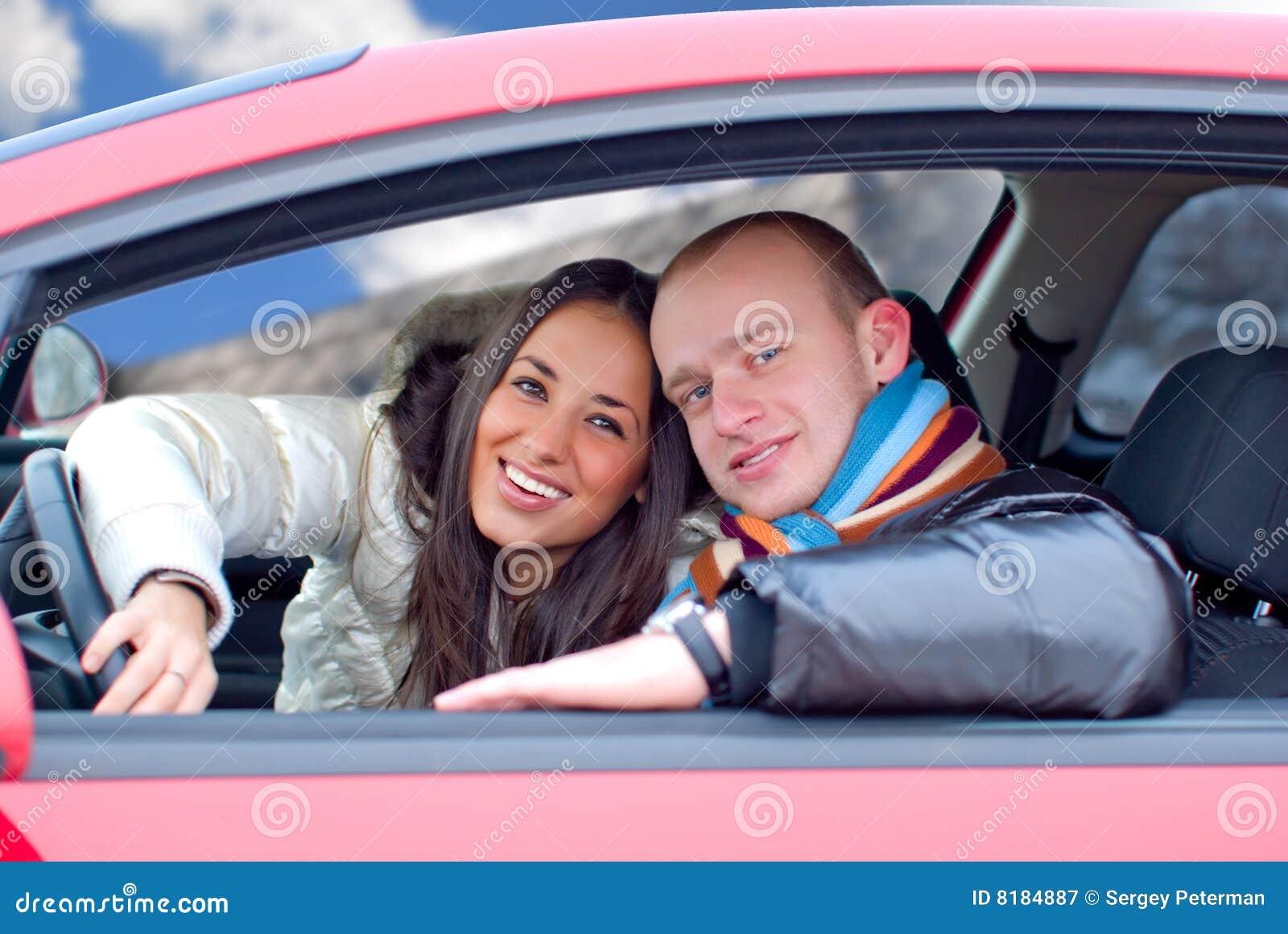 Фото пара в машине 26 фотография