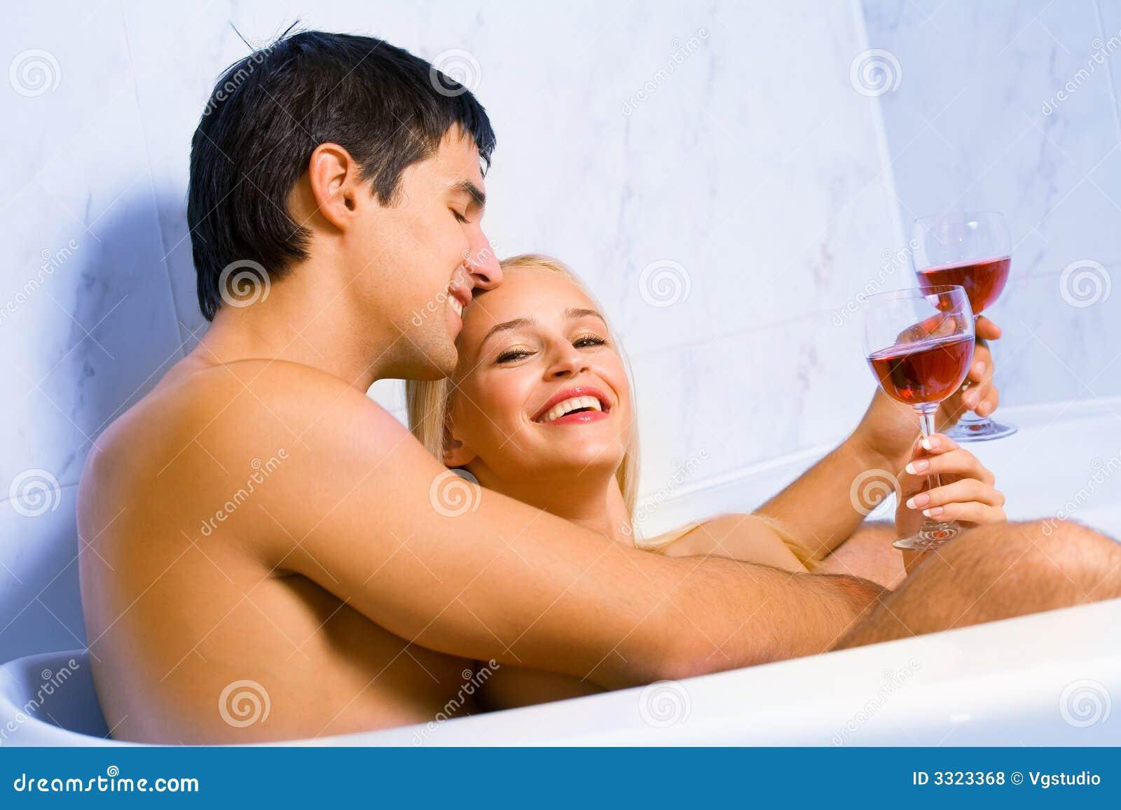 Принимают ванну вместе 9 фотография