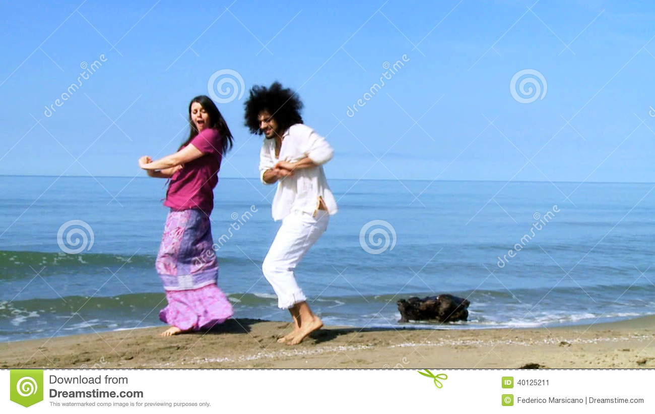 Couple Dancing Funny On The Beach In Vacation Stock Video Video Of Smiling Dancing 40125211