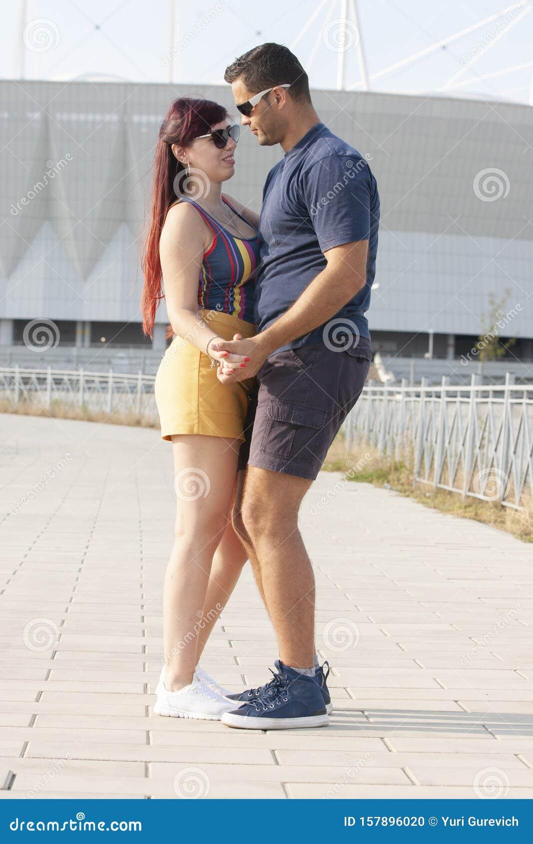 amy poehler dating 2017