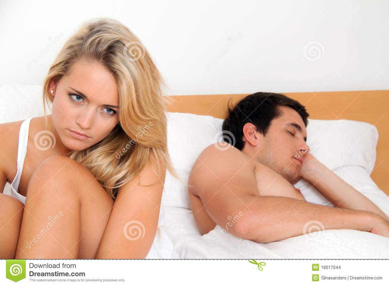 Couple has problems and crisis.