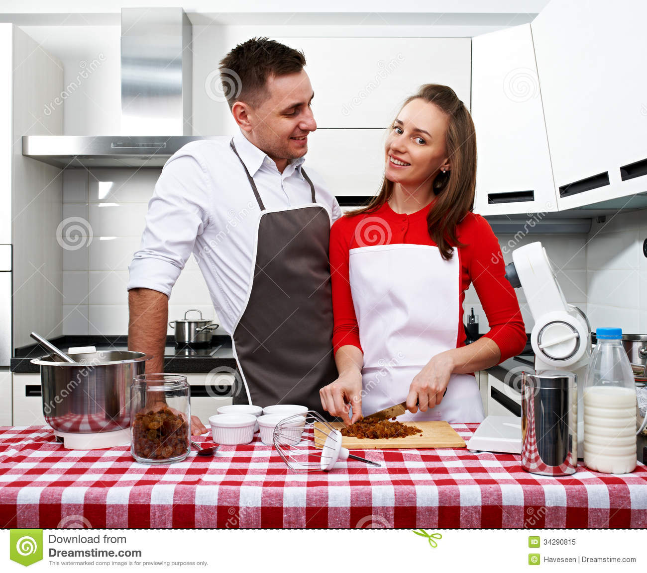 Couple at kitchen royalty free stock photo image 34290815 for Xnxx in the kitchen