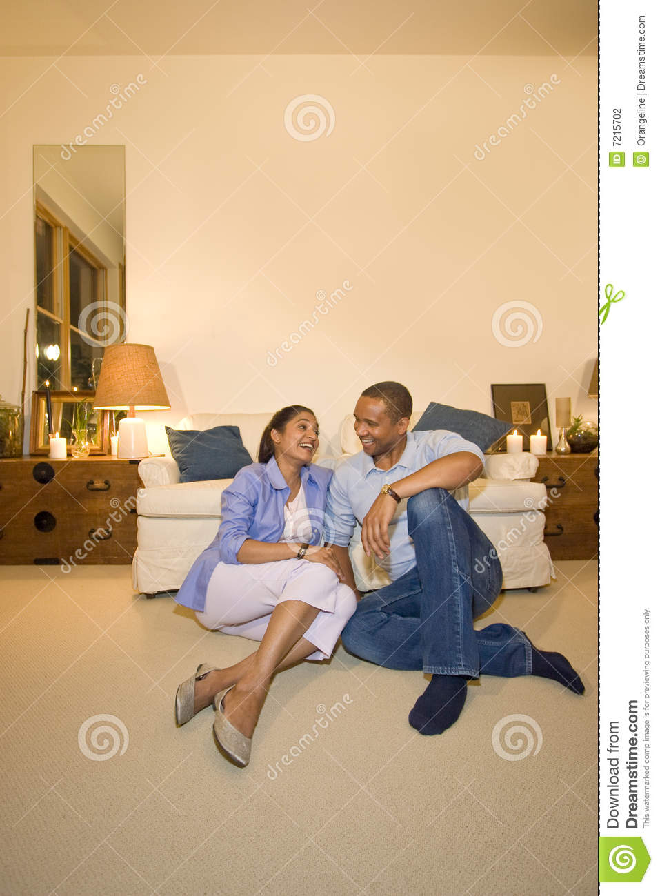 Couple in living room stock photography image 7215702