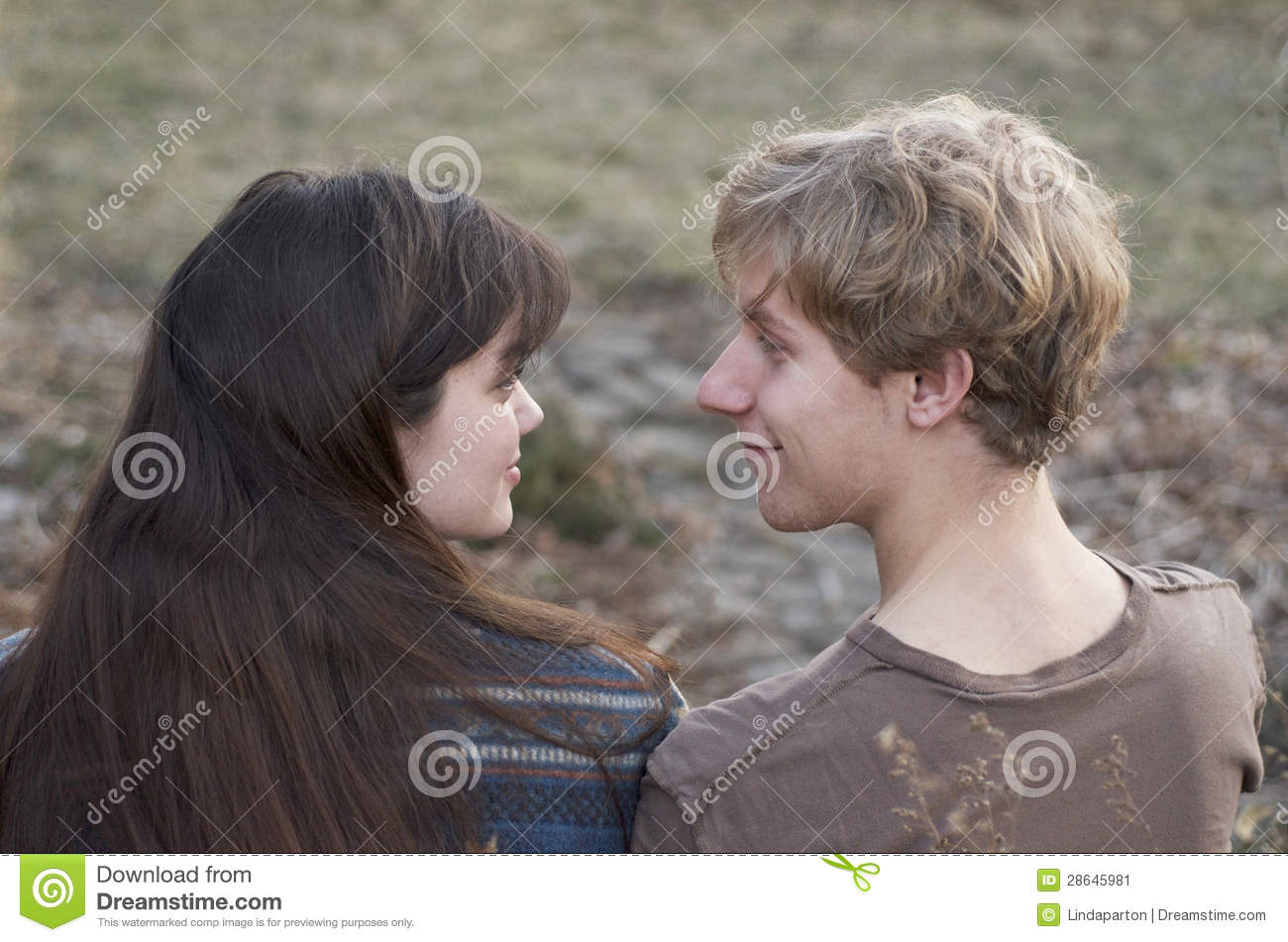 they looked at each other and It's when someone looks at you and breaks eye contact as they normally do, but they hold the eye contact for a split second longer than is normal it's the way two people look at each other when cuddling and making cutesy noises while rubbing their noses together.