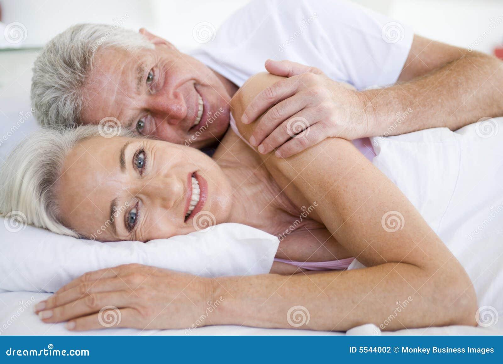 Секс двух пар молодой и пожилой, Пара Молодая Зрелая - Bub Porn -порно видео 23 фотография