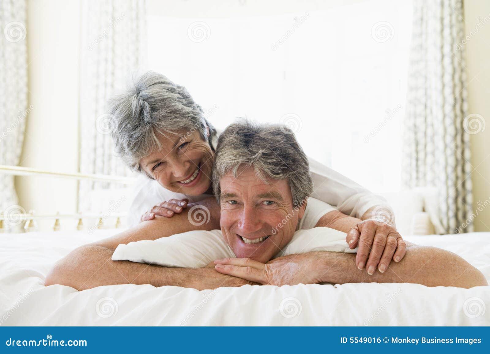 Супруги пригласили пару 7 фотография