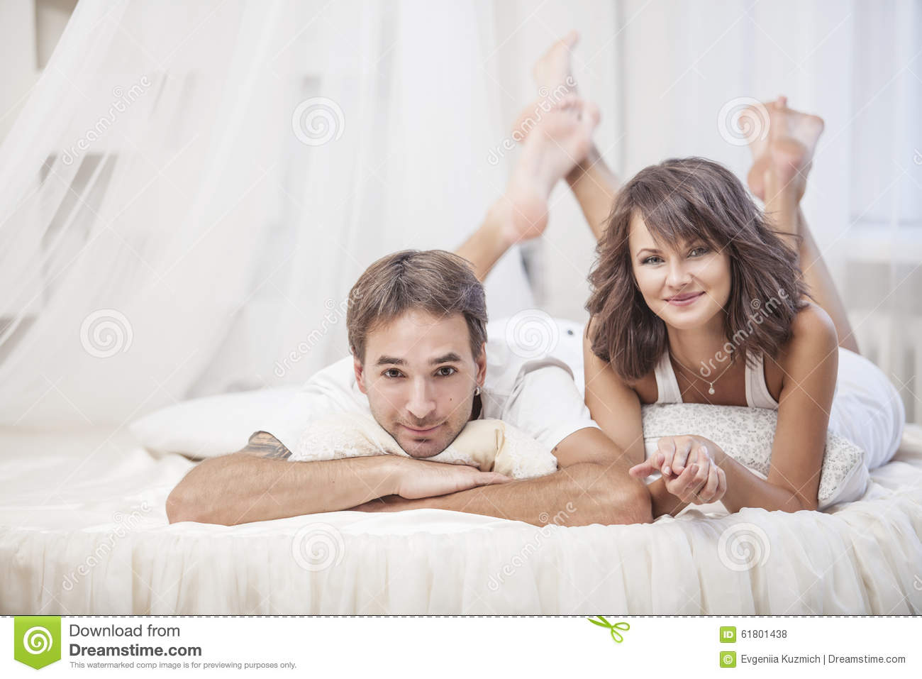 Men and women love in bed
