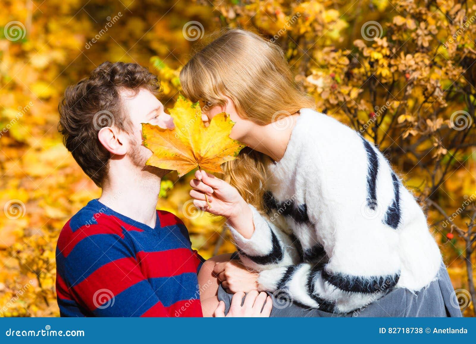 dating maple