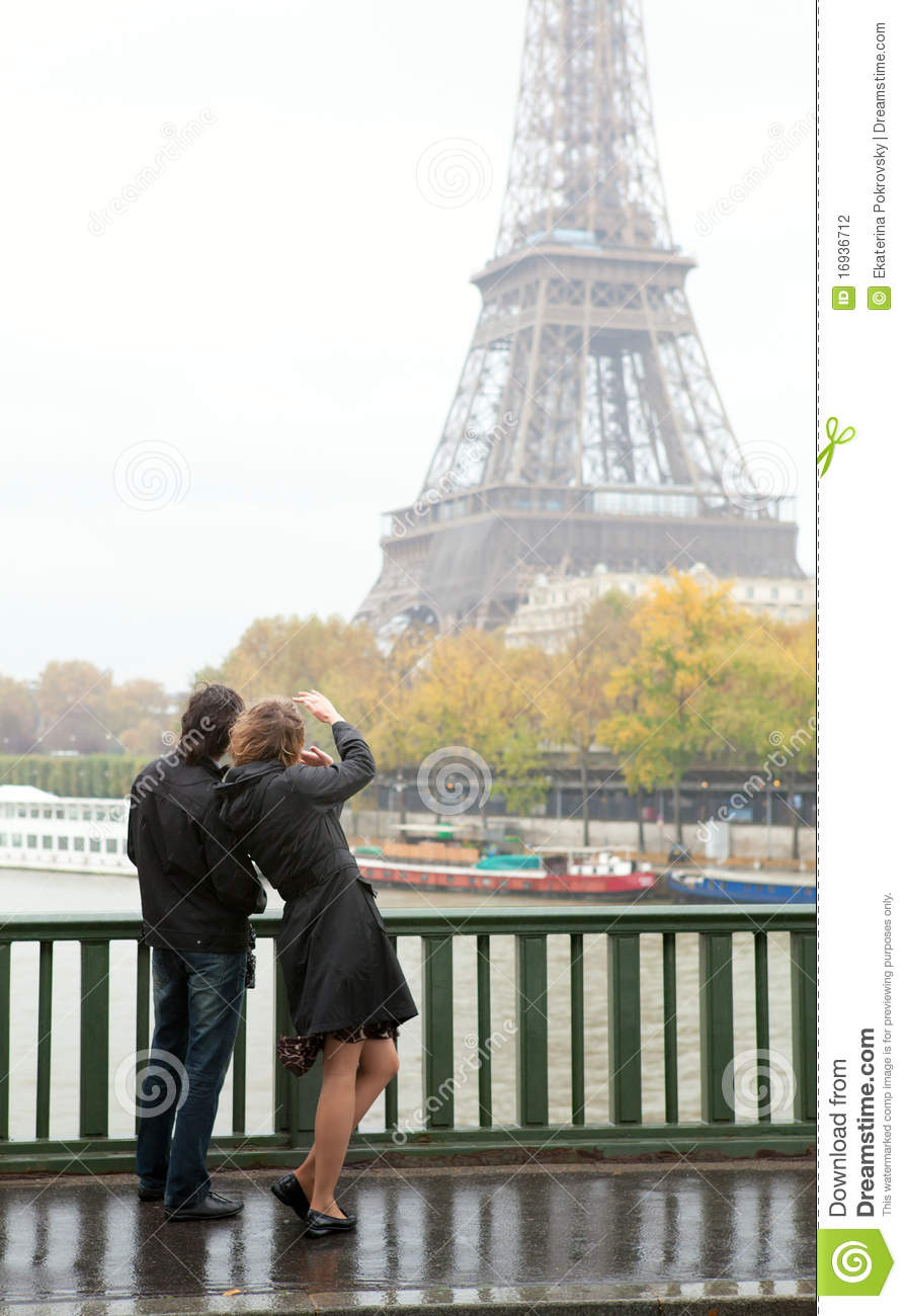 couple in paris at rain stock photography image 16936712. Black Bedroom Furniture Sets. Home Design Ideas