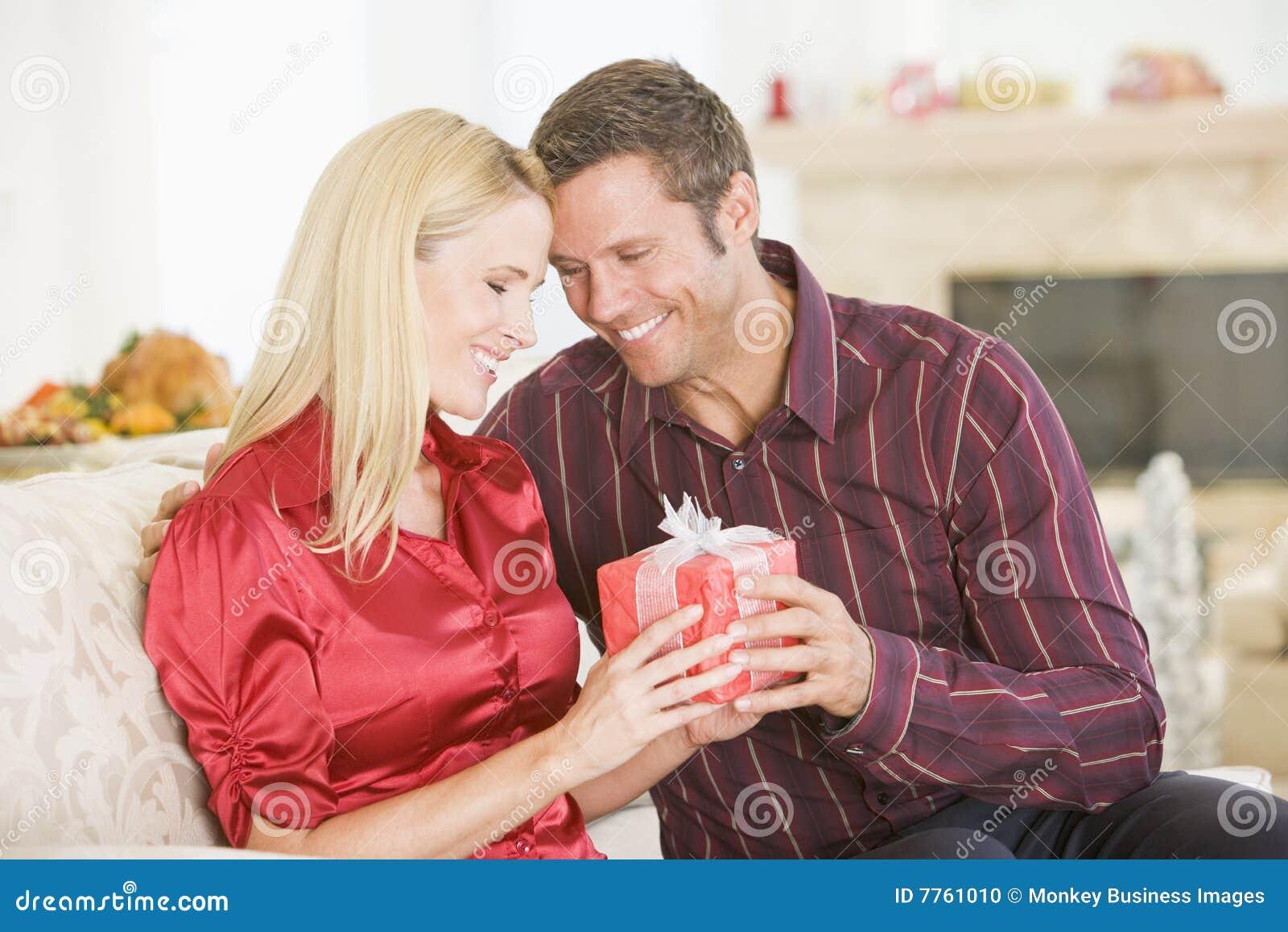 Я друг и жена онлайн, Муж, жена и друг семьи порно смотреть онлайн порно 21 фотография