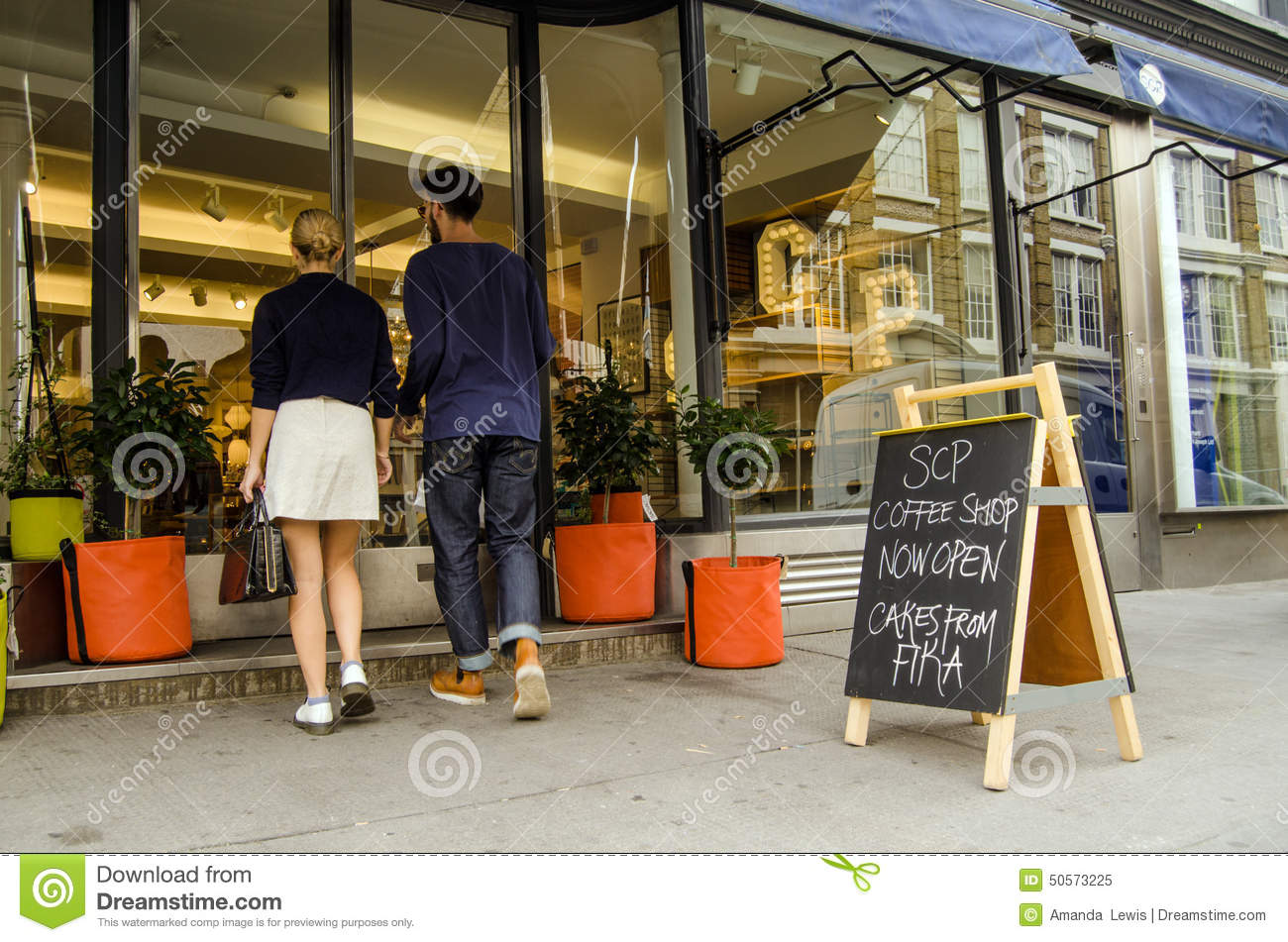 Couple shopping at trendy shop hoxton editorial image Trendy furniture shops