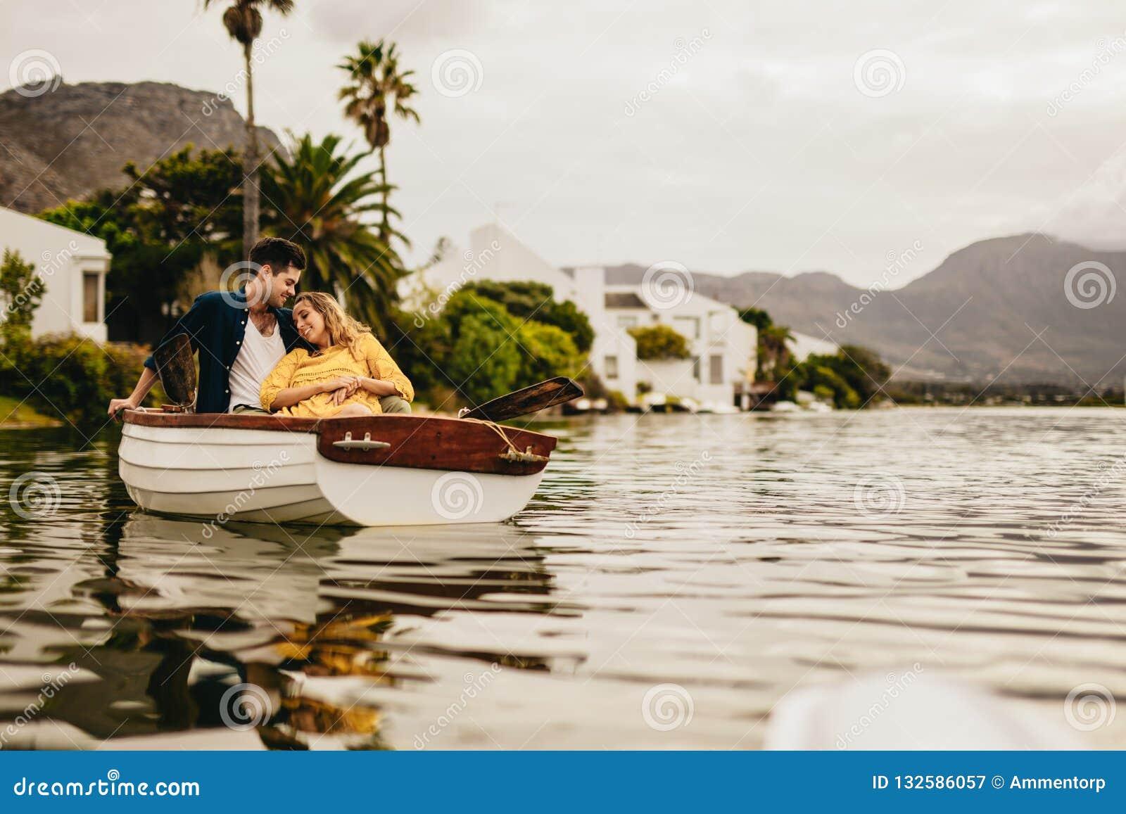 Lady Lake dating