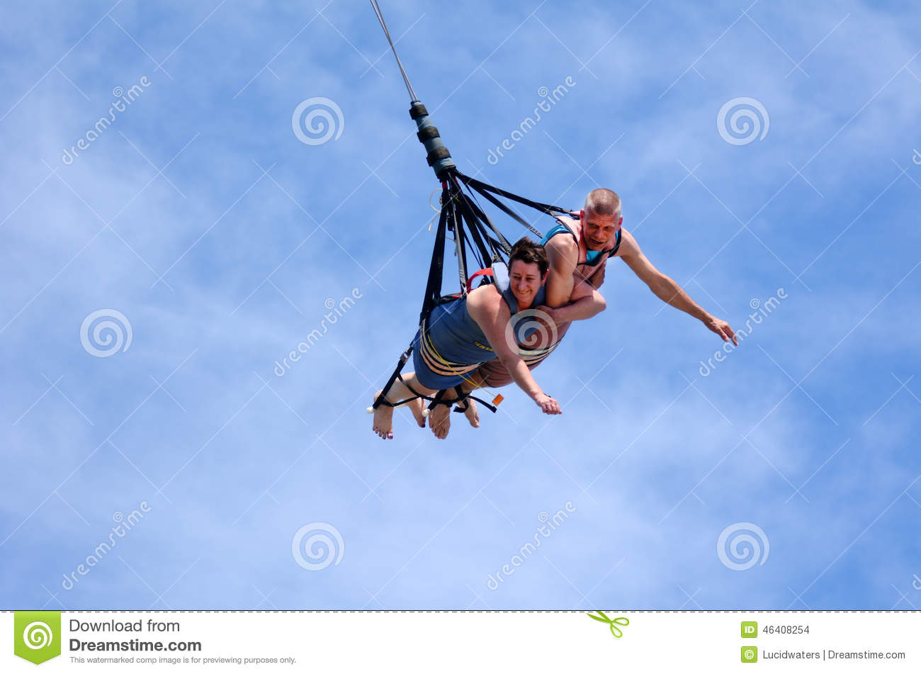Bungee jumping couple