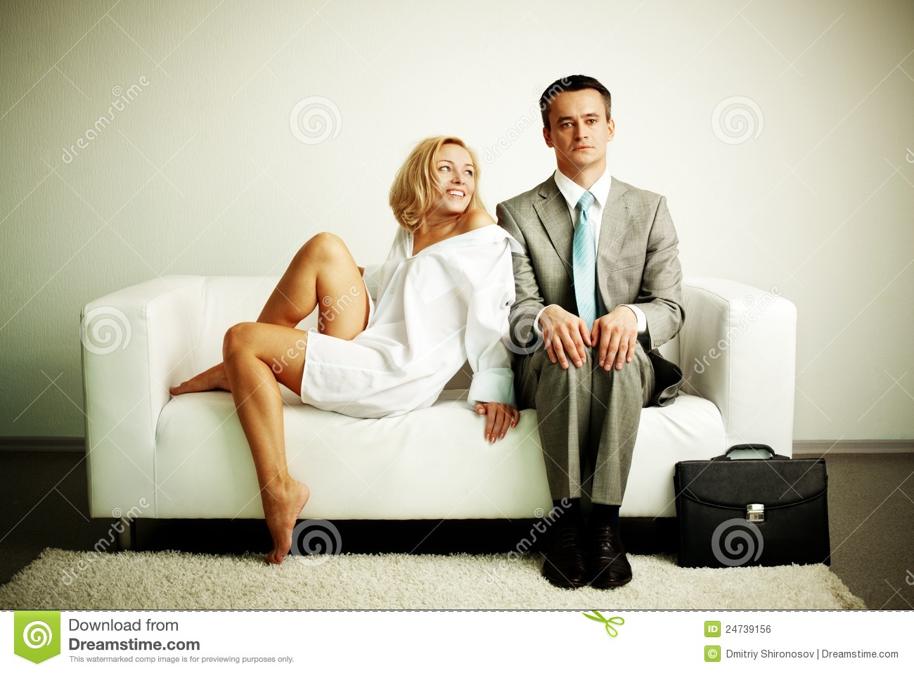 Asian Couple Sex About The Sofa