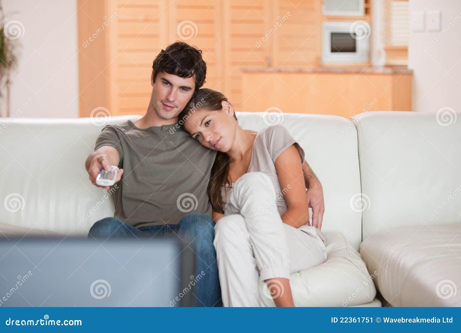 Российских подростков на диване 14 фотография