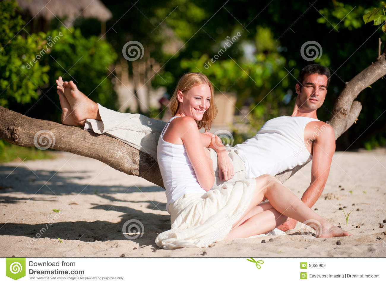 Couple on vacation royalty free stock images image 9039909 for Awesome vacations for couples