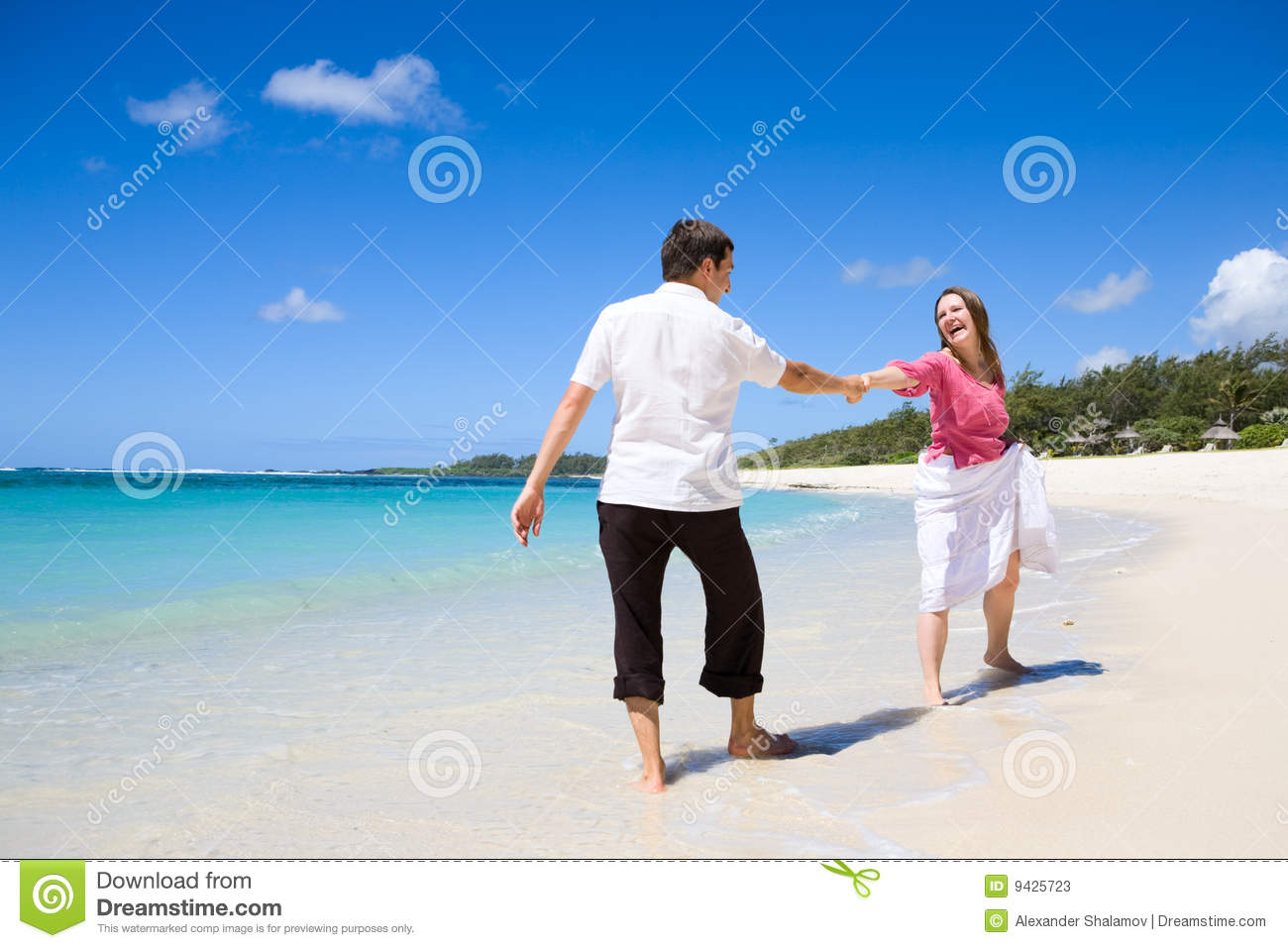 Couple on vacation stock photos image 9425723 for Best beach vacations in us for couples
