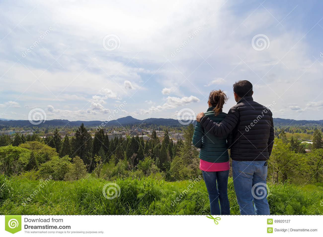 Couple at Viewpoint on Skinner Butte Park