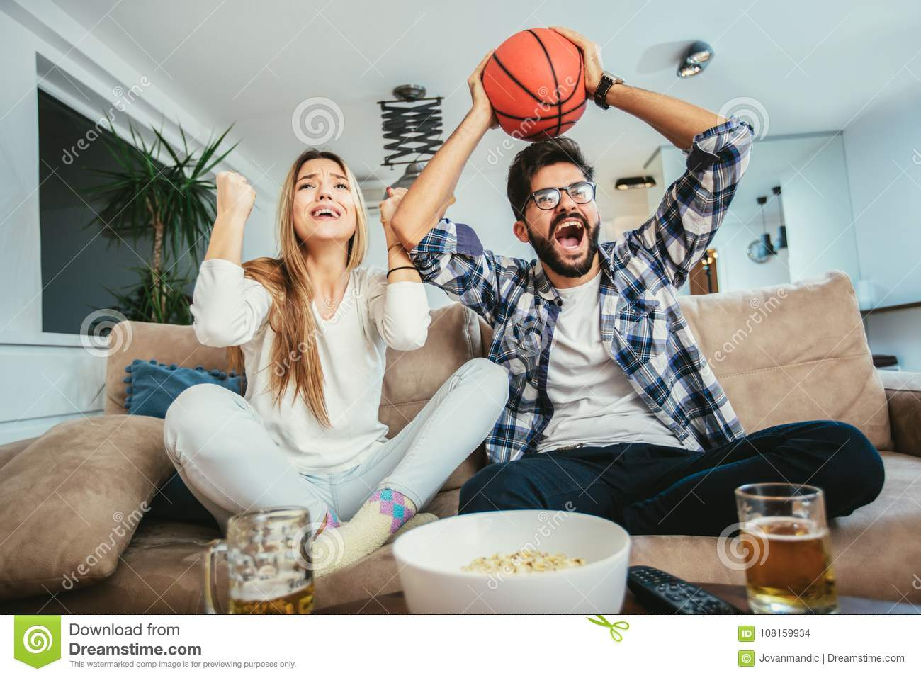 1 184 Basketball Couple Photos Free Royalty Free Stock Photos From Dreamstime